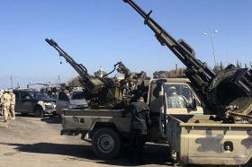 Нови судири во Либија: Хафтар напредува кон Мисрата