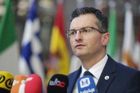 Словенија: Премиерот Шарец најави оставка и побара вонредни избори