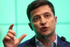 Зеленски не ја прифати оставката на премиерот за да не ја дестабилизира Украина