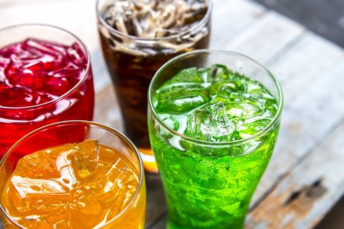 засладувачи во газираните сокови