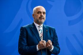 Рама го поздрави договорот за воспоставување авиолинија Приштина-Белград