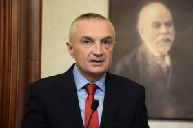 Албанската опозиција го поддржува протестот на Мета