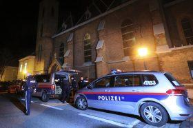 Виена: Во ресторан се степале 50 членови на едно семејство, полцијата морала да бара засилување