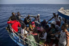 Меѓународната организација за миграција бара безбедно сместување за луѓето во Либија
