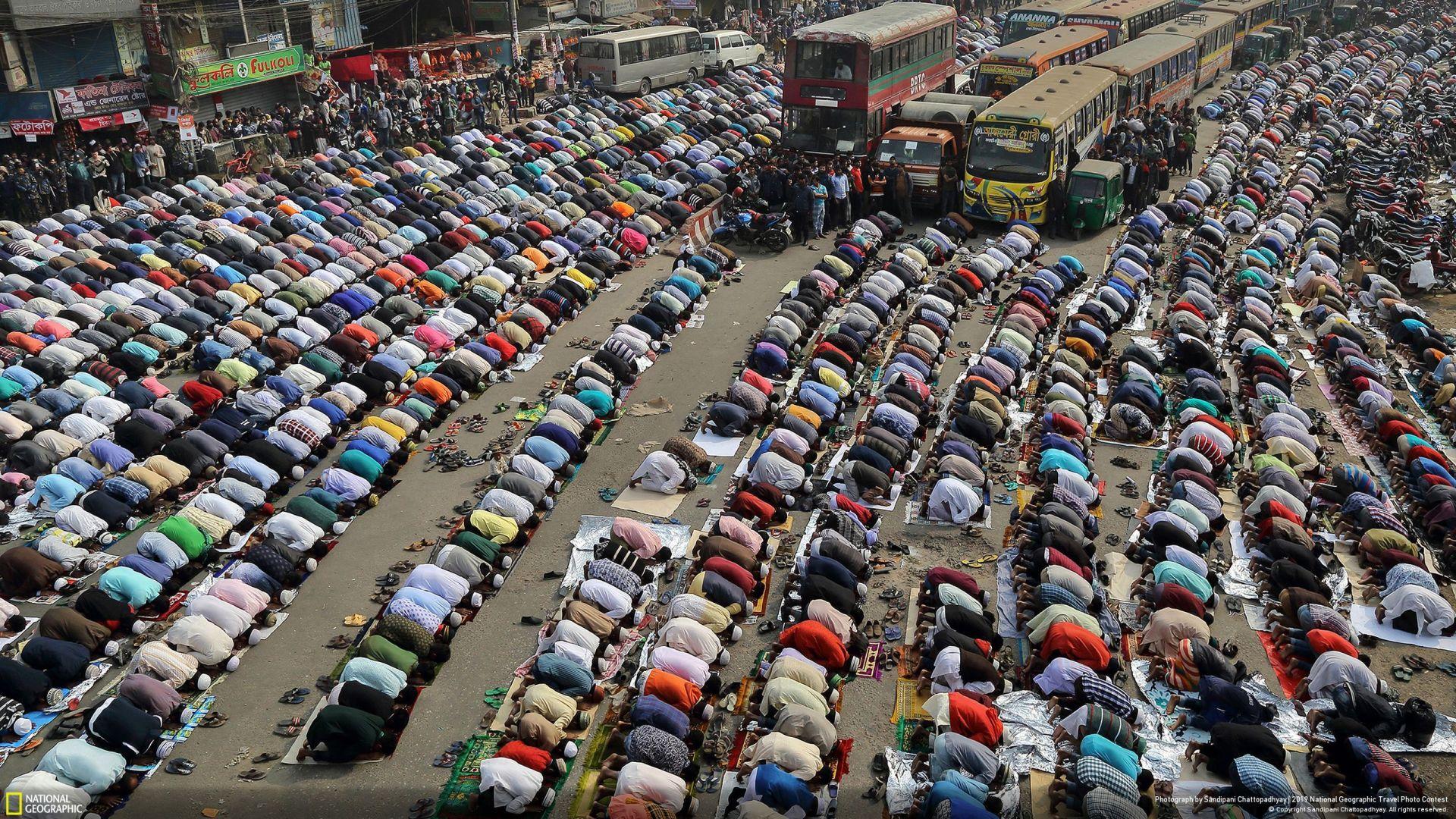 """""""Улиците на Дака"""" (Sandipani Chattopadhyay/Your Shot/National Geographic) - трето место во категорија """"Градови"""""""