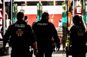 Најмалку шест лица убиени во пукање во Германија