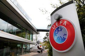 Грчкиот премиер бара исфрлање на грчките екипи од УЕФА