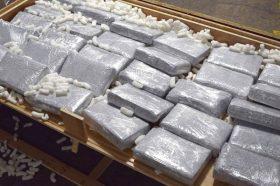Грчката полиција запленила повеќе од 1 тон кокаин, приведени се 8 лица (ВИДЕО)