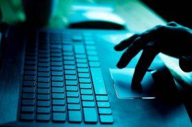 16 отсто од Европејците избегнуваат да купуваат на интернет и да користат интернет-банкарство