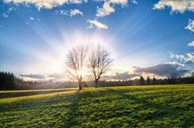 Сончево време со слаб до умерен ветер