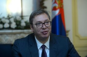 Вучиќ за авиолинијата Приштина-Белград: Постигнавме договор без да го признаеме Косово