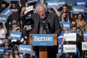 Сандерс: Русија подобро да не се меша во американските избори