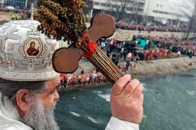 Православните верници го слават Богојавление – Водици