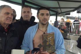 Филип Стојаноски е најсреќниот прилепчанец кој го фати светиот крст