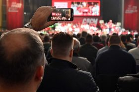 СДСМ ветува полн телефон документи и полн паричник