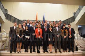 Ѝ треба ли на Македонија Пржинска влада пред отворањето на европската перспектива?