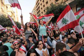 Во антивладините протести во Бејрут повредени 150 луѓе