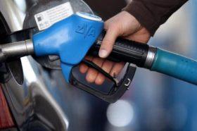 Цената на бензините без промена, поевтинува дизелот