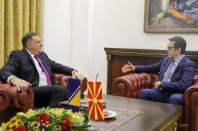 Средба Пендаровски – Додик: Не е фер што Македонија не доби датум за почеток на преговорите со ЕУ