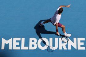 Федерер спаси седум меч топки и обезбеди пласман во полуфиналето на Австралија Опен