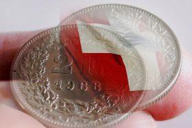 Богатите ги повлекуваат парите од швајцарските банки: Знаат ли нешто што другите не знаат?