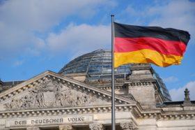 Берлин: Мигрантите ќе се интегрираат во своите земји пред да дојдат