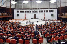 """""""Стапи во брак со својот силувач"""": Контроверзен закон предизвика бес во Турција"""