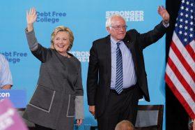 Клинтон го критикува Сандерс: Никому не му се допаѓа, никој не сака да работи со него