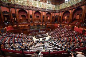 Италија во март ќе организира референдум за намалување на бројот на пратеници