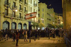 Формирањето на новата влада не ги запре протестите во Либан