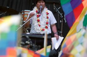 Моралес во егзил во Аргентина прослави 14 години владеење со Боливија