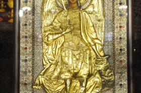 Во Бигорскиот манастир пристигна икона на Св. Архангел Михаил од Бугарија