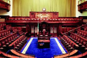 Ирскиот премиер Лео Варадкар поднесе оставка