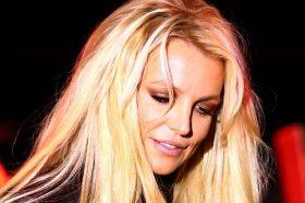 Вознемирувачко видео: Бритни Спирс си го скрши стапалото додека танцуваше