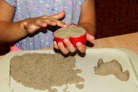 Не мора да го чекате летото за дечињата да играат со песок