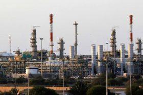 Либија драстично го намалува производството на нафта