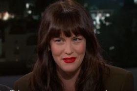"""Лив Тајлер откри зошто и е непријатно на концертите на нејзиниот татко – """"Тој прави работи од кои се срамам!"""""""