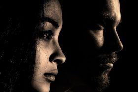 Врската или бракот ви се пред крај? 4 сигурни знаци дека нешто не е во ред!