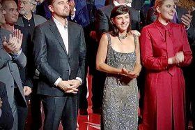 Котевска: Да појасниме, не стојам јас до Леонардо ди Каприо, тој стои до мене (ФОТО)