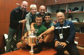 Ѓоковиќ на еден ден пред стартот на Австралија Опен остана без важен член од тимот