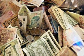 Во светот би можело да останат само 5 или 6 валути