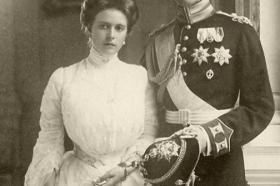 Трагичниот живот на принцезата Алис, свекрвата на кралицата Елизабета Втора (ВИДЕО)