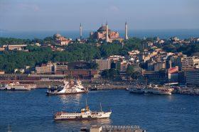 Мајките со деца до четири години ќе добијат бесплатни билети за градски сообраќај во Истанбул