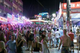 Шпанските Балеарски Острови воведуваат мерки против пијаните туристи – го забранија ефтиниот алкохол