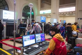 Кина ја ангажира војската во борба против коронавирусот во Вухан