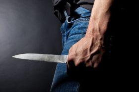 Виена: Тинејџер 30 пати со нож ја прободел поранешната девојка, лекарите се борат за нејзиниот живот