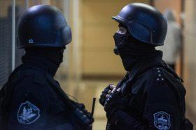 Нови дојави за бомби затворија над 100 училишта и трговски центри во Москва