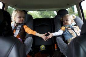 Користете соодветно детско седиште при патување