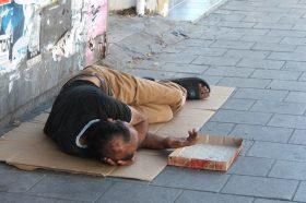 Домаќинствата без деца имаат најголем ризик од сиромаштија