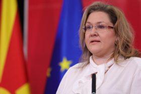 Петревска: Будно се следи состојбата на јужната граница, бидејќи сме свесни дека тоа може да биде проблем во државата
